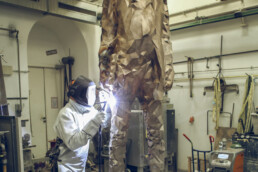 Welding of the individual castings of the Bonifazius statue