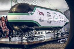 Hyperloop capsule
